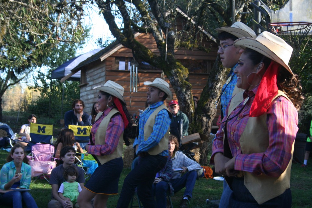 fall harvest festival and flowers 2014 142